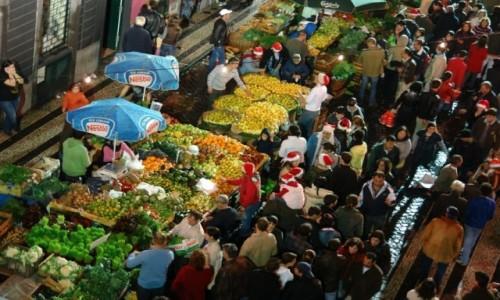 PORTUGALIA / Archipelag Madery / Funchal / Noc zakupów Noite do Mercado na Maderze