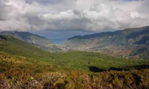 PORTUGALIA / madera / góry Madery / zieleń chmury i ocean
