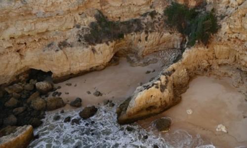 Zdjęcie PORTUGALIA / Algarve / Porches / możesz tu znaleść łatwo prywatną plaże wśród skał