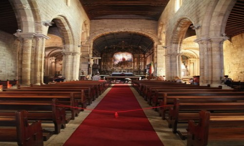Zdjęcie PORTUGALIA / Guimaraes / Oliveira Plaza / Kościół klasztoru Matki Boskiej Oliwnej (Igreja de Nossa Senhora da Oliviera)