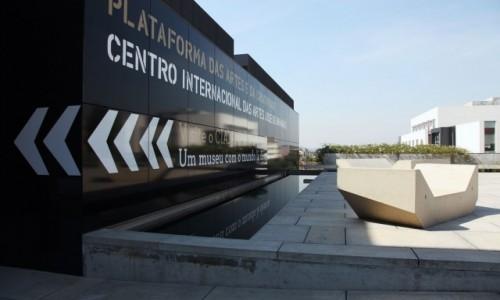Zdjęcie PORTUGALIA / Dystrykt Braga / Guimarães  / Międzynarodowe Centrum Sztuki