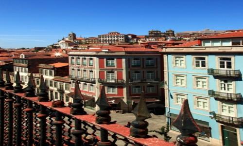 Zdjęcie PORTUGALIA / Porto / Wzgórze Pena Ventosa / Za płotem