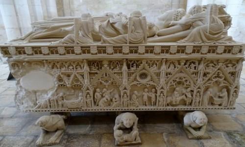 Zdjęcie PORTUGALIA / Centrum / Kościół Santa Maria de Alcobaca / Nagrobek Ines de Castro