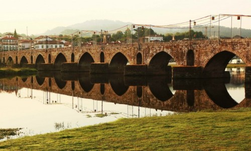 Zdjęcie PORTUGALIA / Viana do Castelo / Ponte de Lima / Most Ponte Velha