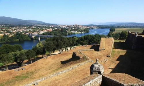 Zdjecie PORTUGALIA / Viana do Castelo / Valenca do Minho / Widok z twierdzy na hiszpańskie miastoTui