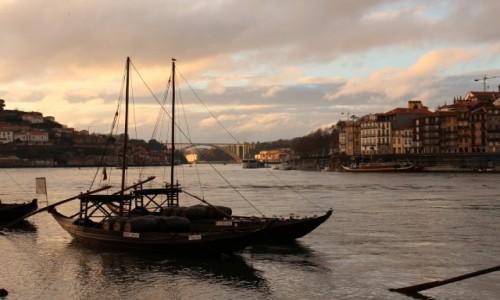 Zdjecie PORTUGALIA / - / Porto / Łodzie