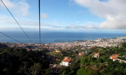 PORTUGALIA / Madera / Funchal / Z góry na Funchal