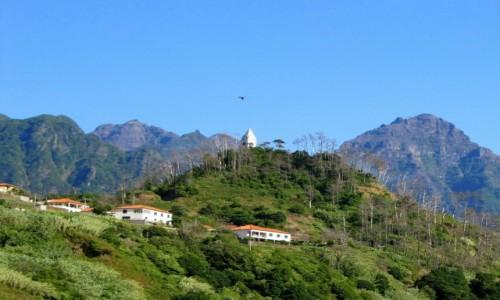Zdjęcie PORTUGALIA / Madera / Sao Vicente / Zawisł nad wieżą