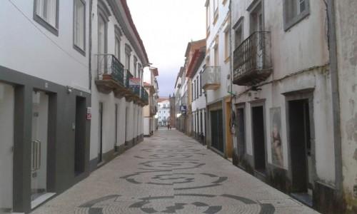 Zdjęcie PORTUGALIA / Sao Miguel / Ponta Delgada / Uliczka w Ponta Delgada