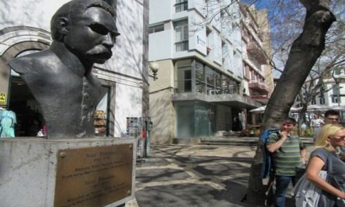 Zdjecie PORTUGALIA / Madera - Funchal / Madera / Pomnik Piłsudskiego w Funchal