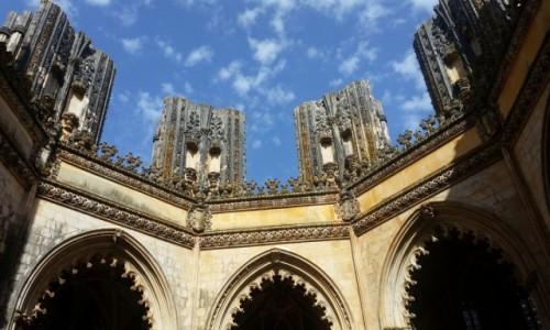 Zdjecie PORTUGALIA / Leiria / Klasztor Matki Boskiej Zwycięskiej w Batalha-Niedokończone Kaplice / Studnia do nieba