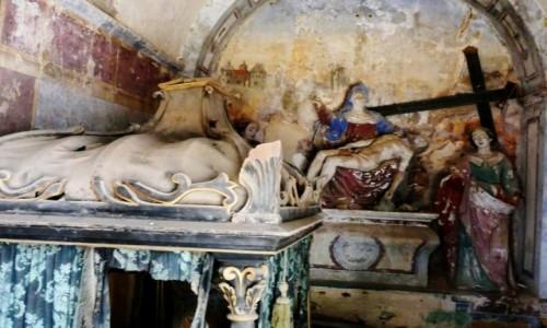 Zdjęcie PORTUGALIA / Algarve / Tavira / opuszczona kaplica cmentarna