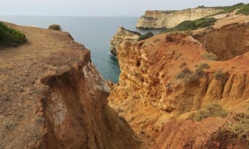 Zdjęcie PORTUGALIA / Algarve / klif obok Porches / Spacerkiem