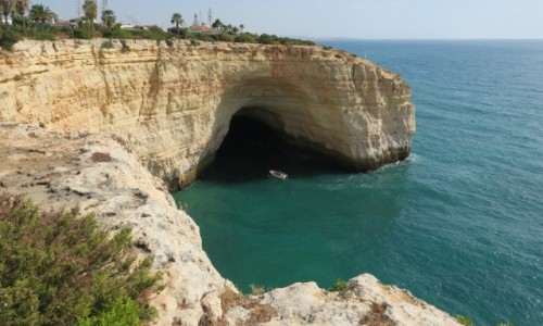PORTUGALIA / Algarve / klify / Pod klifami