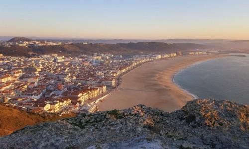 Zdjecie PORTUGALIA / Centrum, dystrykt Leiria / Nazaré / Pusta plaża