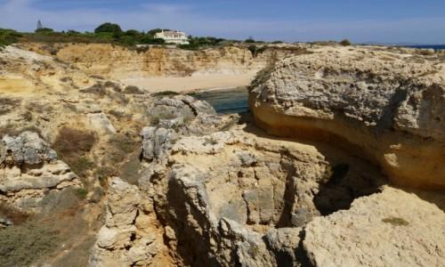 Zdjecie PORTUGALIA / Algarve / Porches wybrzeże / Wisząca studnia