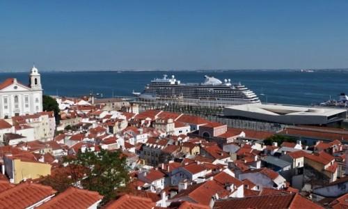Zdjecie PORTUGALIA / - / Lizbona / Widok na rzekę Tag