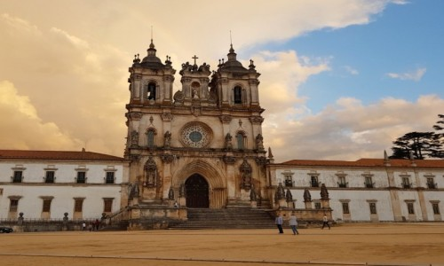 Zdjecie PORTUGALIA / Centrum / Klasztor Cystersów i kościół Matki Bożej w Alcobaca / W naturalnej sepii