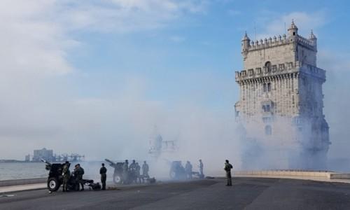 Zdjecie PORTUGALIA / Lizbona / Torre de Belem / Pal!