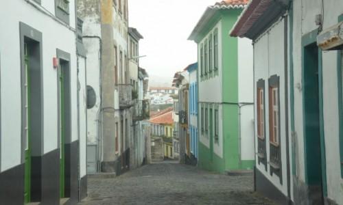 Zdjęcie PORTUGALIA / Azory / Terceira / Wąskie uliczki na Terceirii