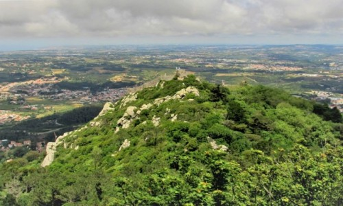 Zdjecie PORTUGALIA / - / Sintra / z zamkowych murów...