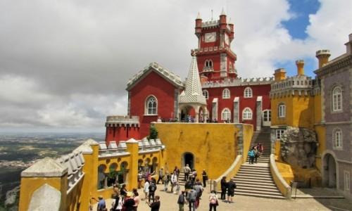 PORTUGALIA / - / Sintra, Palacio Nacional da Pena / potężny i romantyczny:)