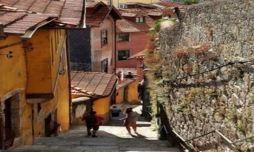 PORTUGALIA / .... / Porto / Schodami ku rzece