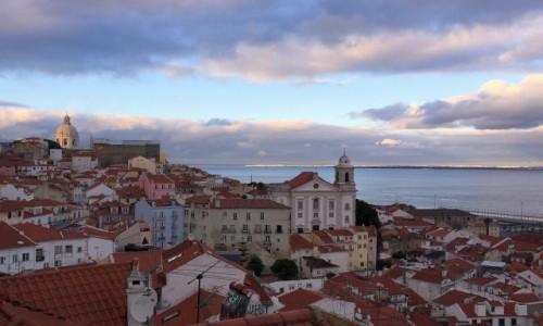 Zdjęcie PORTUGALIA / - / Lizbona / ku wieczorowi...