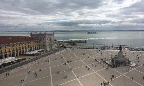 Zdjęcie PORTUGALIA / Lizbona / Lizbona  / Lizboński plac