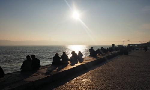 Zdjecie PORTUGALIA / - / Lizbona / Lizbona - 1 styczeń nad brzegiem Tagu