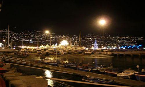 Zdjęcie PORTUGALIA / brak / Madeira - Funchal / Port Funchl nocą.