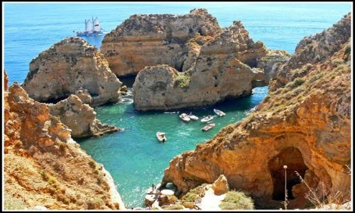 Zdjecie PORTUGALIA / ALGARVE / GROTY KOLO LAGOS / NATURALNY PORT