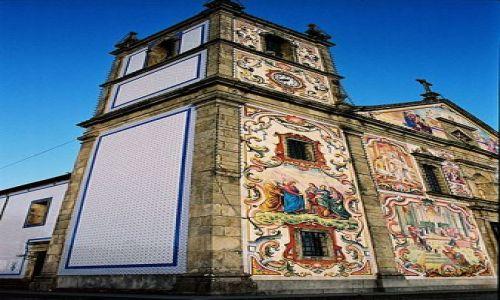 Zdjecie PORTUGALIA / pomiędzy Porto a Lizboną:) / jakieś małe maisteczko / przykład ciekawej architektury Portugalskiej