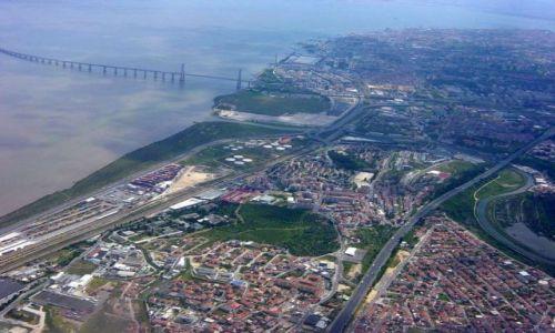 Zdjecie PORTUGALIA / brak / Lizbona / Lizbona z samolotu
