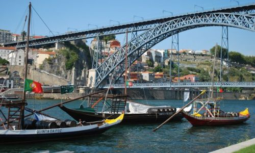 Zdjecie PORTUGALIA / Portugalia / Porto / Łódeczki na Douro