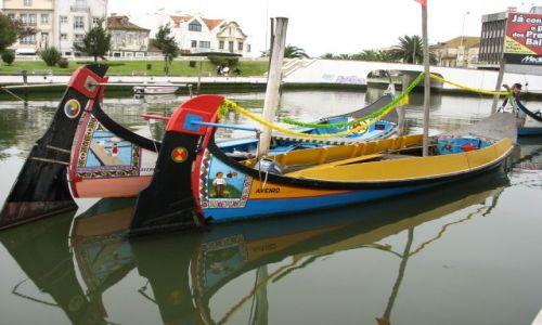 Zdjęcie PORTUGALIA / środkowa Portugalia / Aveiro / romantyczne łódeczki