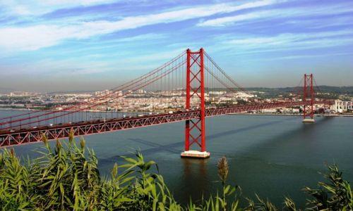 Zdjęcie PORTUGALIA / - / Lizbona / most 25 - kwietnia