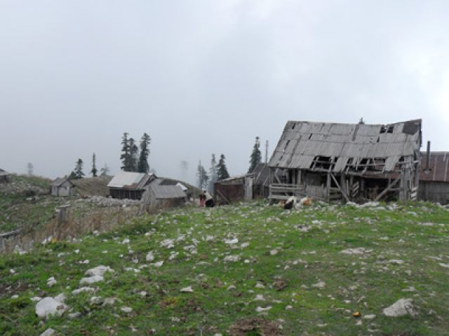 Zdj�cia: okolice Gagry, Abchazja, Abchaska wioska w g�rach, ROSJA