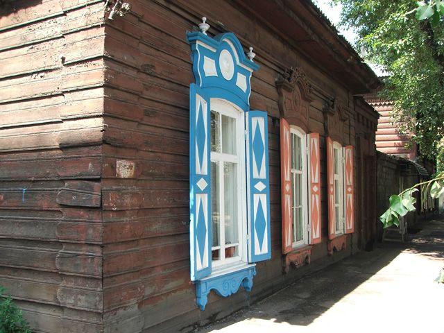 Zdj�cia: Irkuck, Syberia, Drewniany dom w Irkucku, ROSJA
