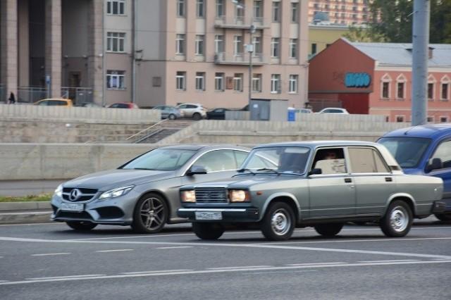 Zdjęcia: Moskwa, Moskwa, Zderzenie pokoleń, ROSJA