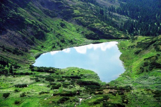 Zdjęcia: Jezioro Serce u stóp Piku Czerskiego, Góry Chamar-Daban, Serce, ROSJA