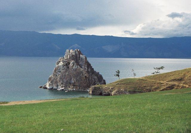 Zdjęcia: skała Szamanka, wyspa Olchon na Bajkale, Syberia , celtyckie klimaty na Syberii, ROSJA