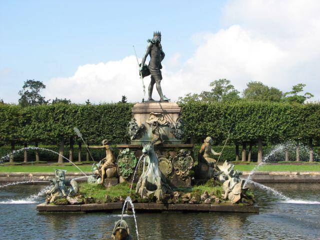 Zdj�cia: Peterhof, fontanna, ROSJA