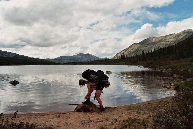 Zdjęcia: Przełęcz między doliną rzeki Frojlicha a rzeki Tompudy, Góry Barguzińskie, Oczko na przełęczy, ROSJA