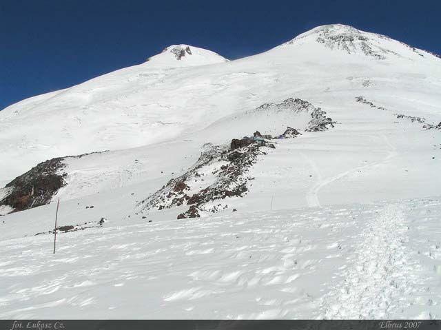 Zdjęcia: Elbrus, Kaukaz, Klasyczny widok na Oszhomaho, ROSJA