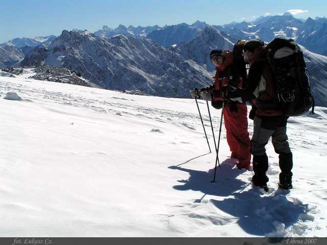 Zdjęcia: Elbrus, Kaukaz, Daniel i Slawek w drodze do Priuta 11, ROSJA