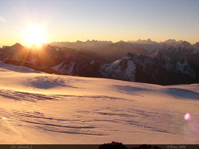 Zdjęcia: Elbrus, Kaukaz, Zachód nad Kaukazem, ROSJA