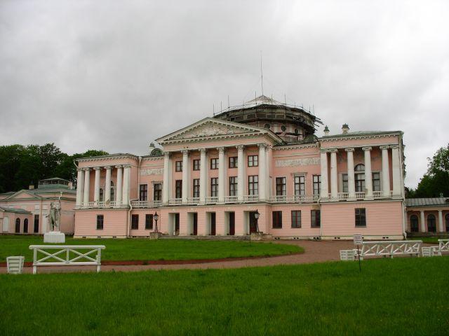 Zdjęcia: Ostankino-najstarszy zachowany drewniany pałac z wewnetrznym teatrem w Moskwie, Moskwa, Pałacyk, ROSJA