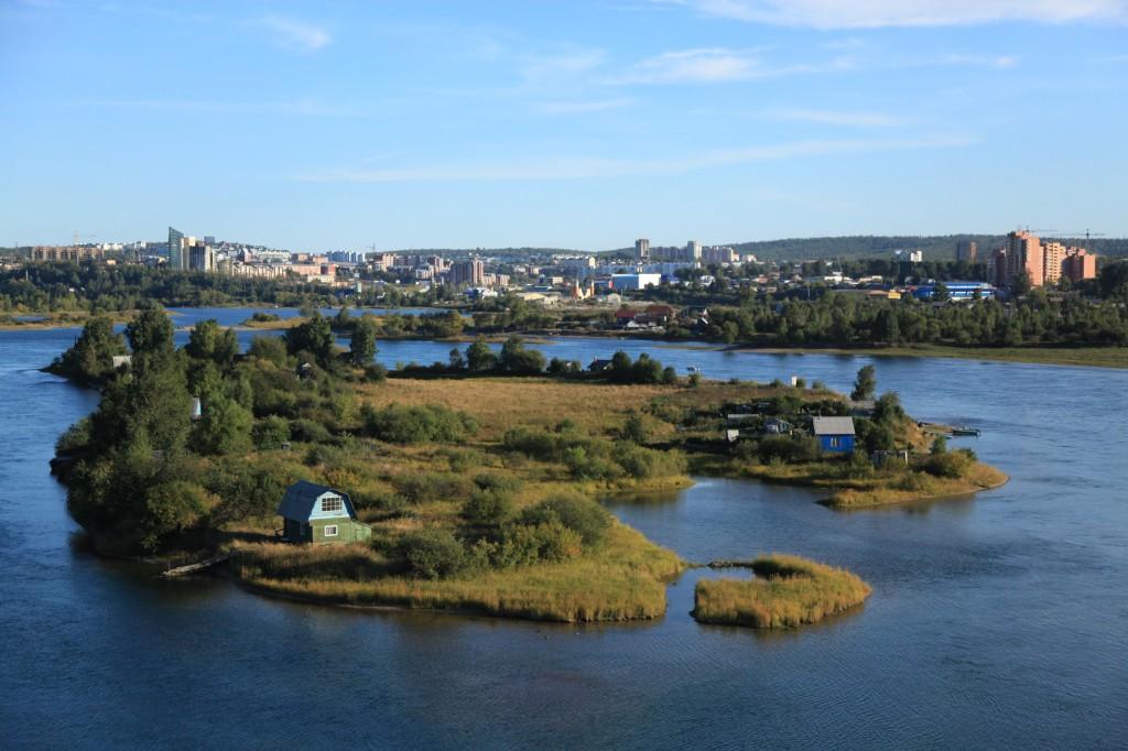 Zdjęcia: Z nowego  mostu , Irkuck, Wysepki na rzece Angara, ROSJA