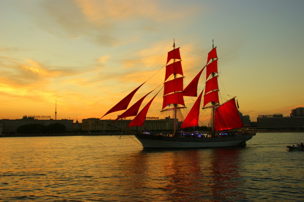 Zdjęcia: San Petersburg, San Petersburg, Na  pelnych żaglach, ROSJA